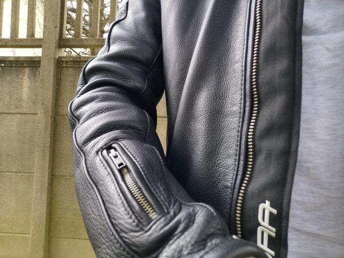 poche avant bras droit du blouson de cuir Segura Retro