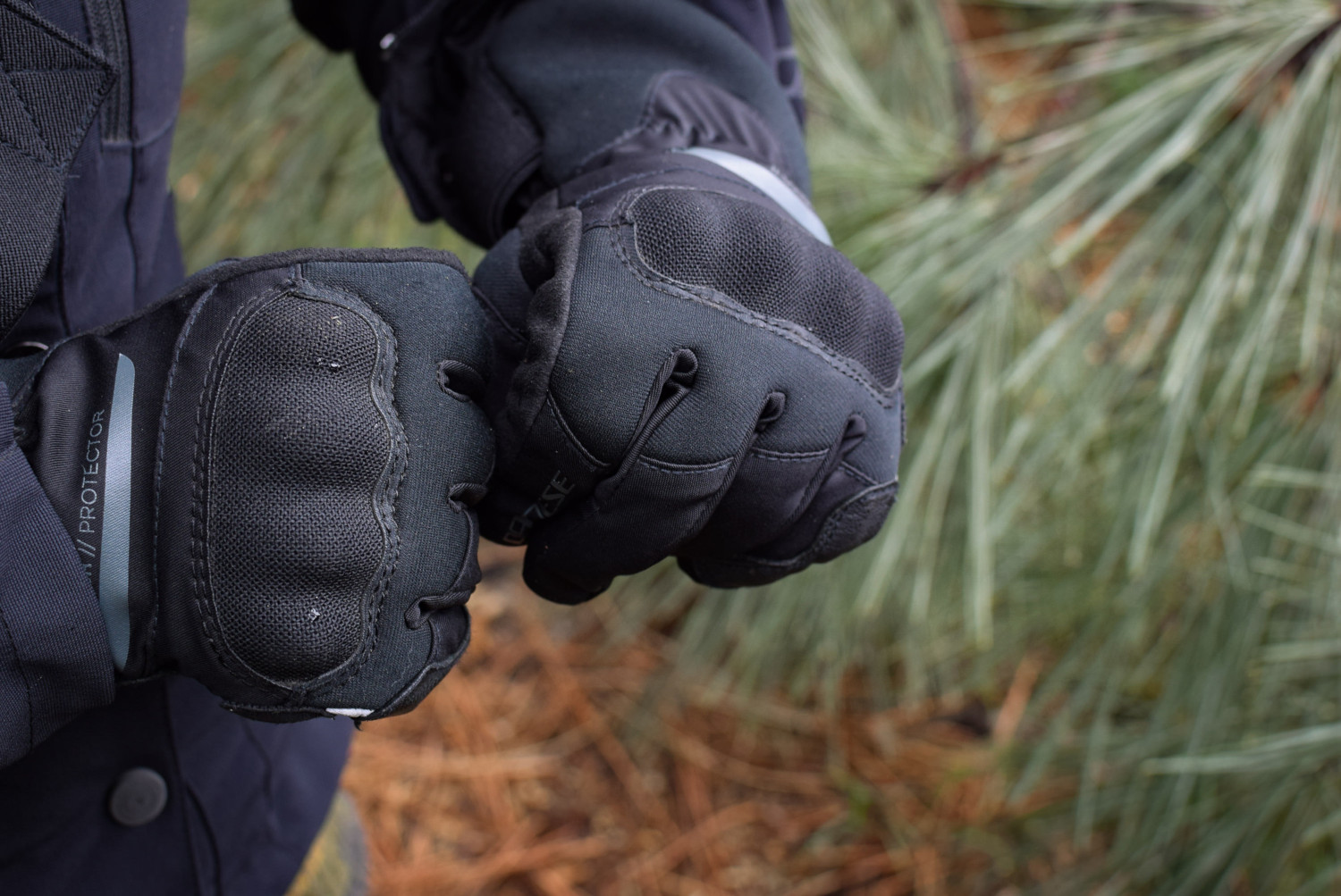 protections gants Dainese Aurora