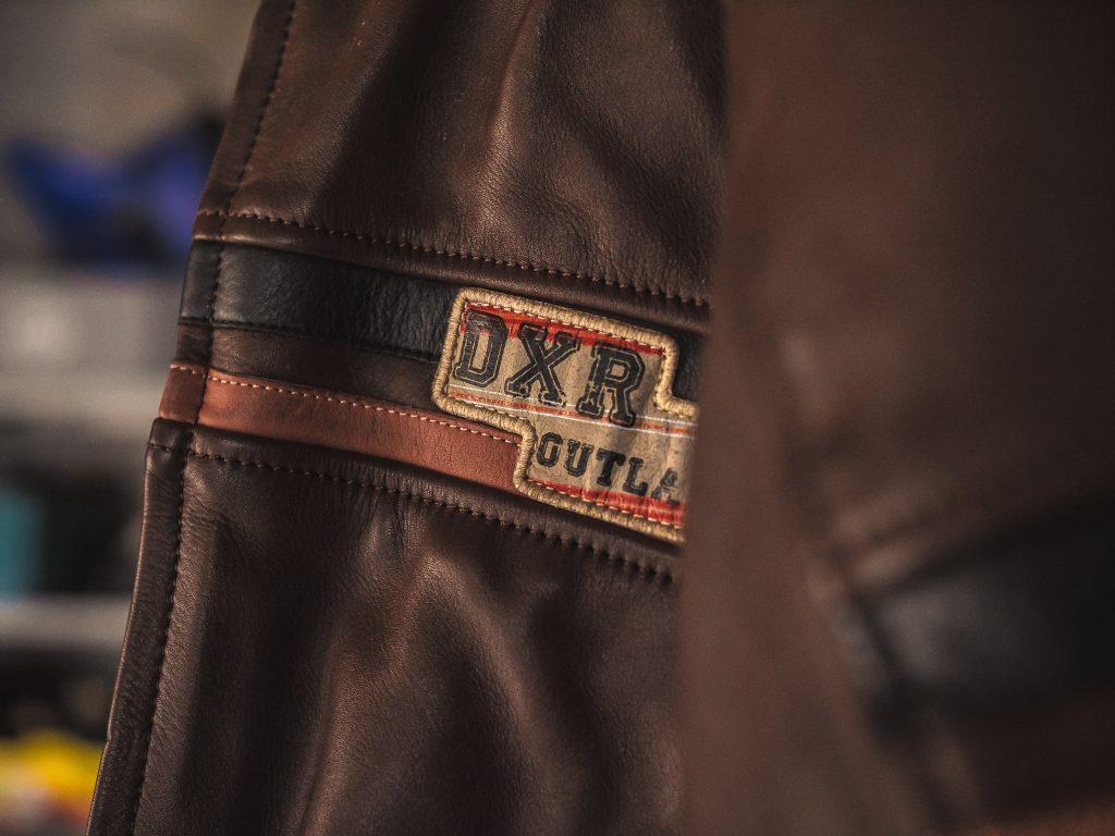 détails sur le blouson en cuir DXR Tredici