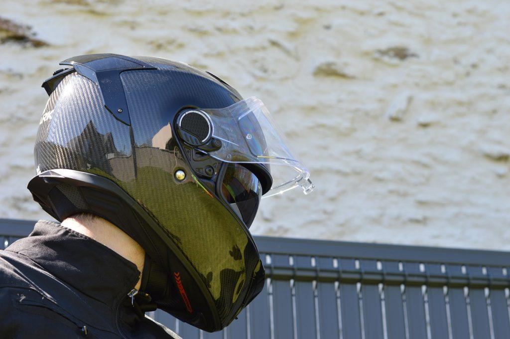 esthétique reconnaissable du casque Shark Spartan GT