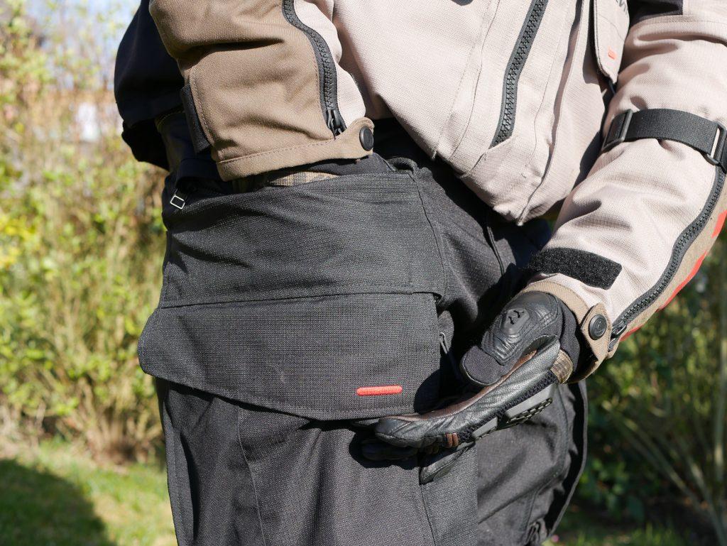 Pantalon_Rev_it_Sand_3_petite-poche-discrète