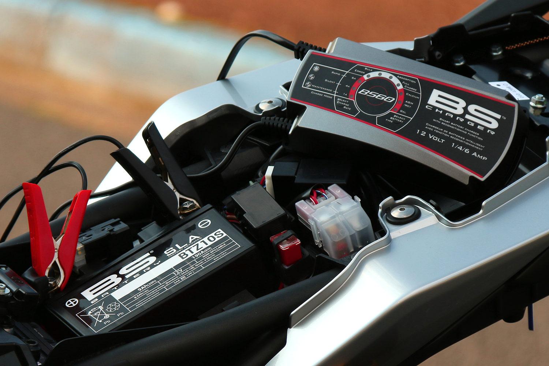 chargeur de batterie moto BS Battery