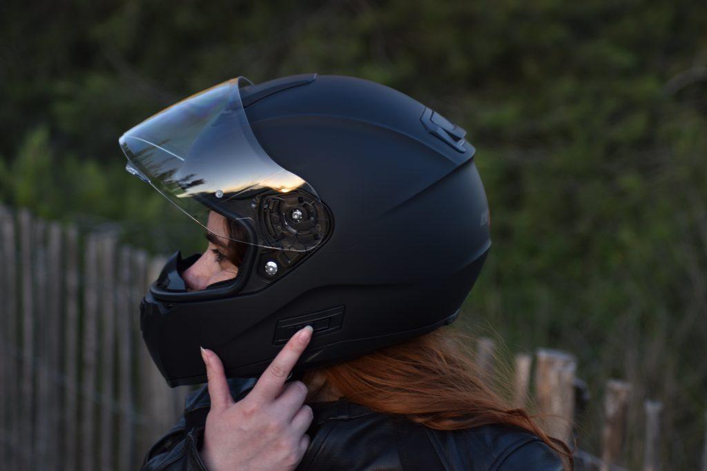 bouton pour actionner la visière sur le casque Dexter Optimus