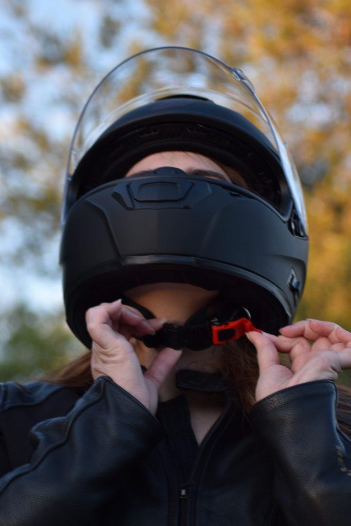 Jugulaire biométrique sur le casque Dexter Optimus