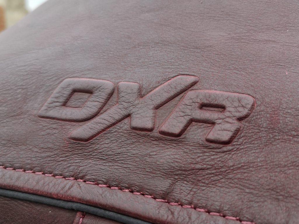 DXR Dagor – logo embossé