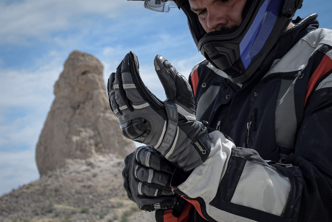 gants Rev'it Dominator mis à l'essai