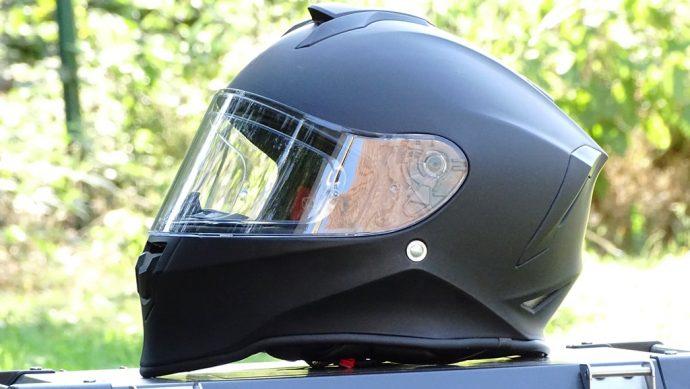 design acéré pour le casque intégral Dexter Izoard 2