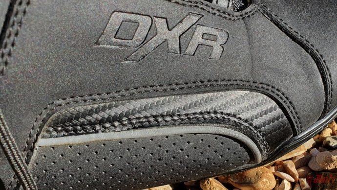 jeu de textures sur les baskets DXR Gofast EVO