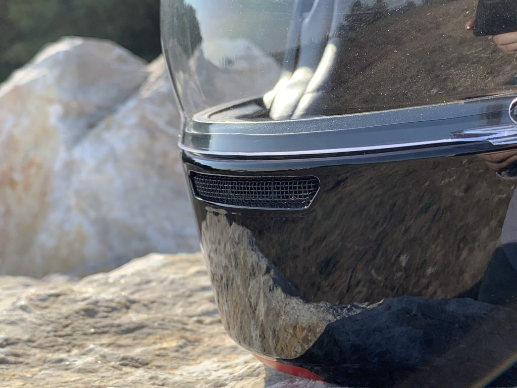 petits détails du casque HJC V90