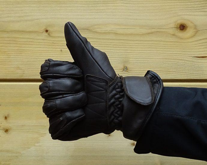 une taille juste pour les gants DXR Halian Man