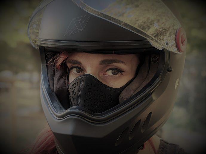 masque R-pur avec casque moto