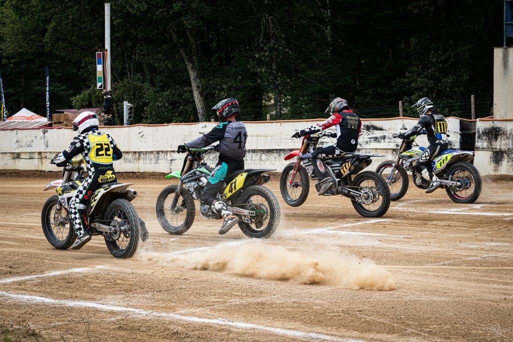 depart_dirt_bikes_qui_arrache