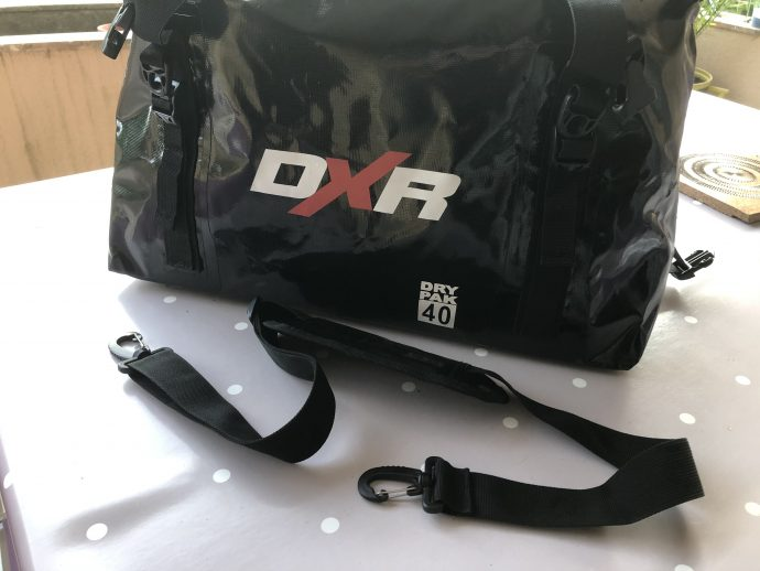 deux options pour porter la sacoche de selle DXR Over-Dive