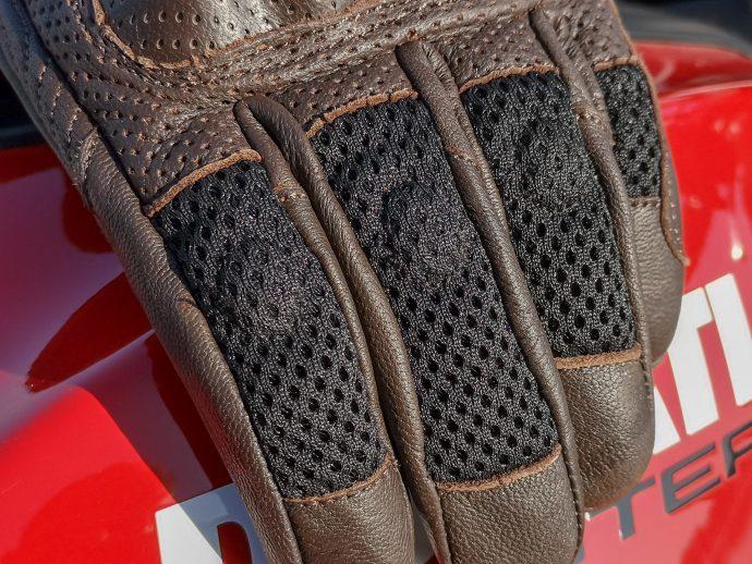 inserts en Mesh 3D sur gants DXR