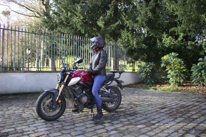Veste DXR Kanelle portée sur moto