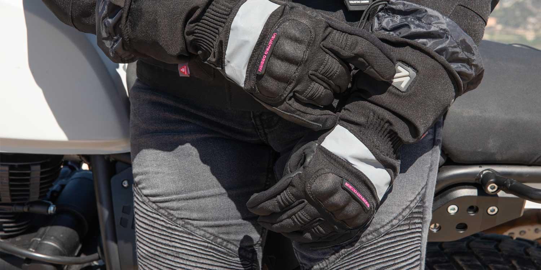 Gants moto chauffants avec zones réfléchissantes