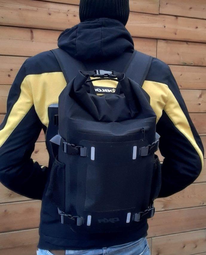 bolsa sobredepósito DXR en modo mochila