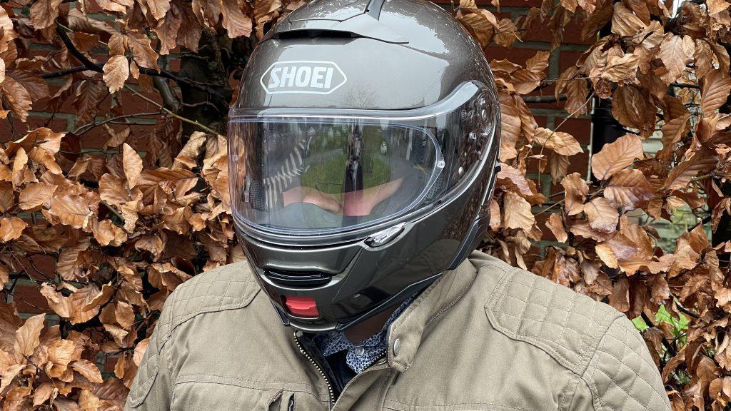 Le style classe et sobre du casque modulable Shoei NeoTec 2
