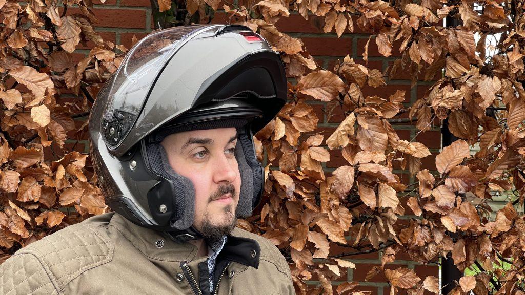 Le casque modulable Shoei NeoTec 2 mentonnière ouverte