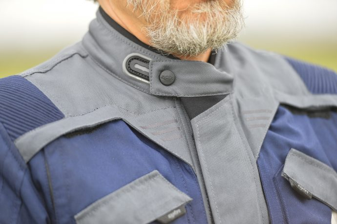 cuello forrado en neopreno en la chaqueta DXR Capetown