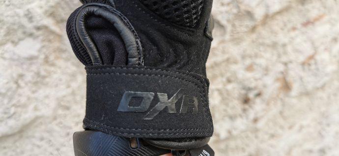 logo DXR justement posé sur les gants été Patok