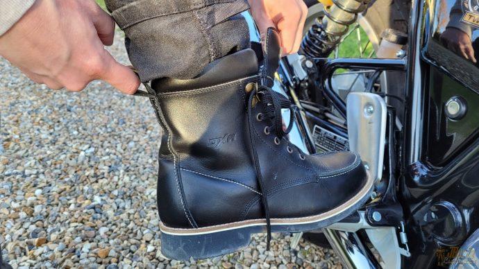 enfilage aisé des chaussures DXR Woody