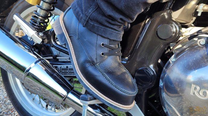 cuir de vachettes et coupe vintage pour les chaussures DXR Woody