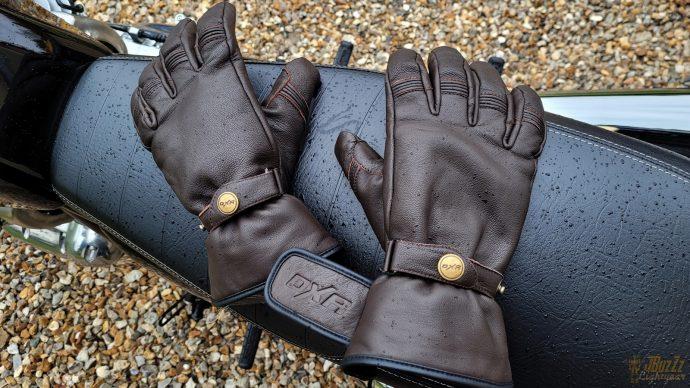 essai des gants DXR Bricklane en cuir de chèvre