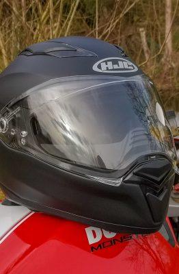 Essai casque intégral HJC F70
