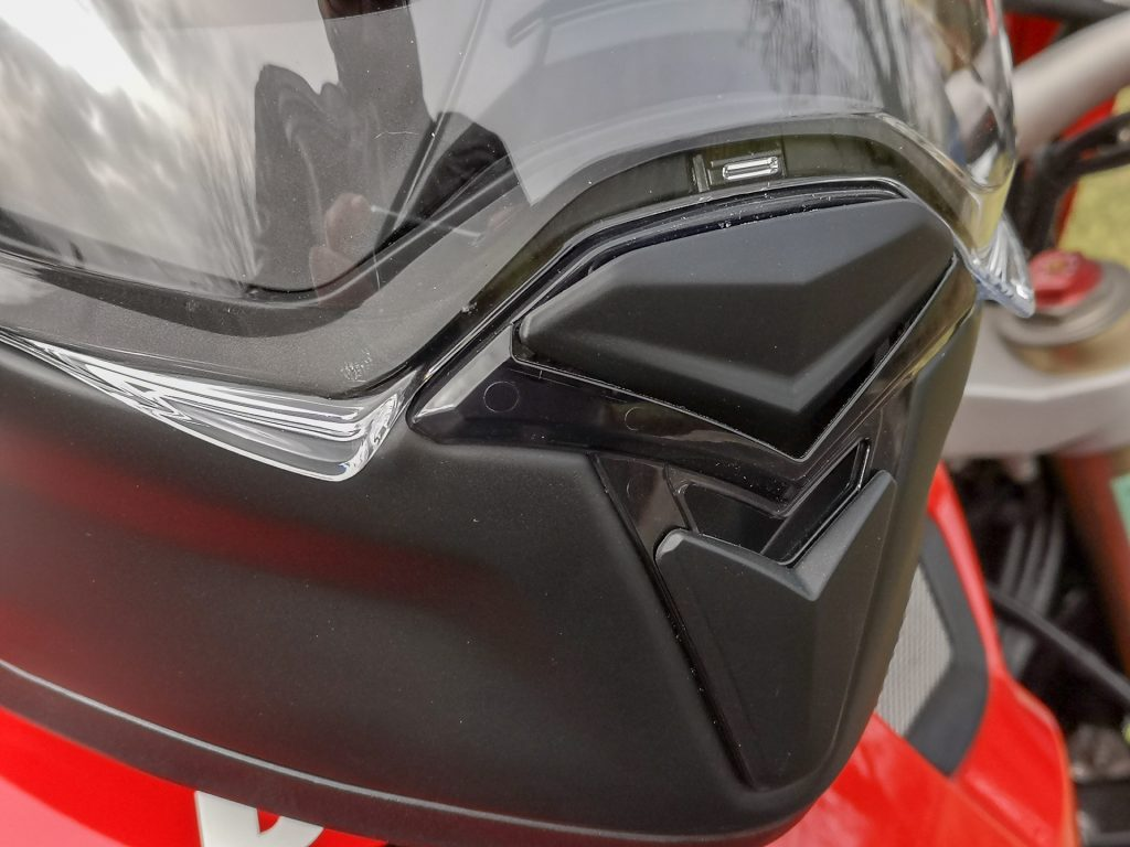 HJC F70 – ventilations mentonière