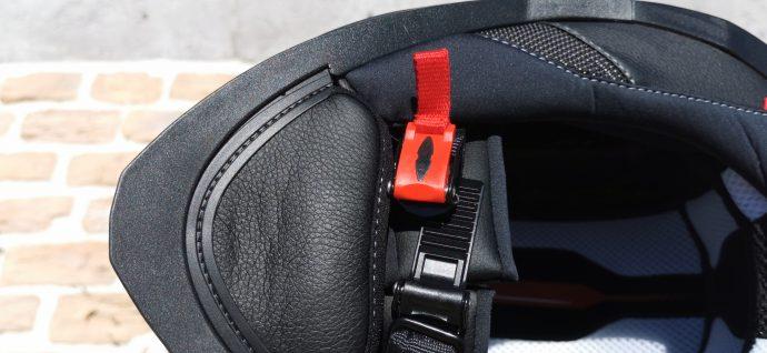 bavette et boucle micrométrique pour le casque intégral Nexx SX.100R
