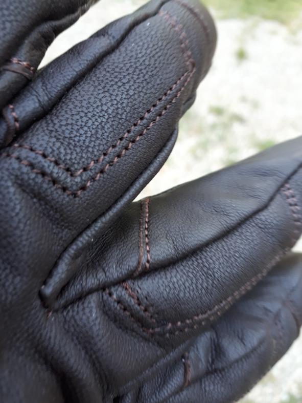 couture 1 gants DXR Townhall