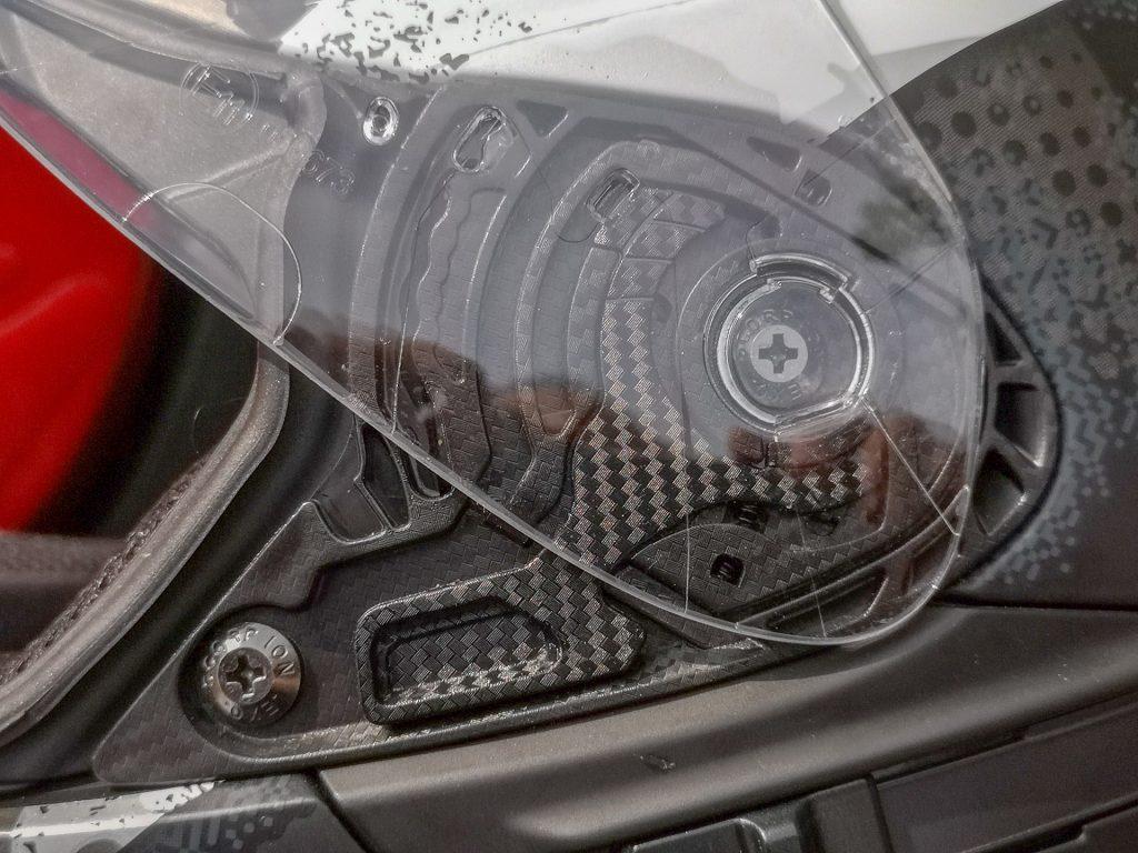 Scorpion Exo-1400 Air – mécanisme écran