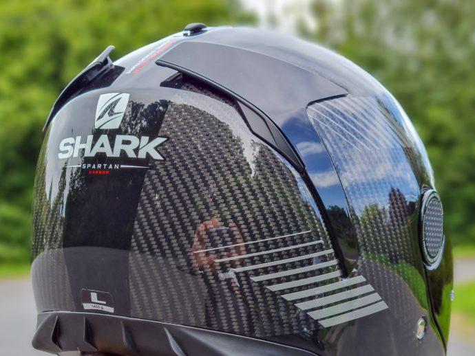 ailerons arrières du casque Shark Spartan Carbon 1.2