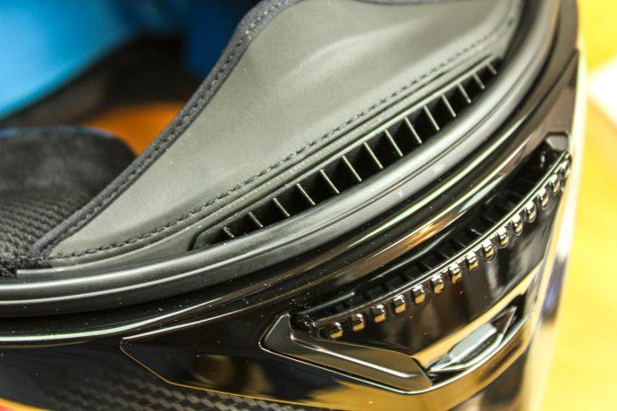 ventilation à la mentonnière du casque Shark Spartan Carbon 1.2