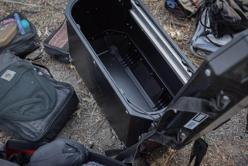 temps de remplir les valises latérales givi