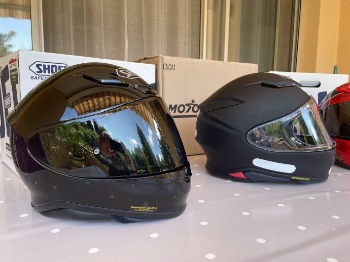 design quasi similaire pour les casque Shoei NXR